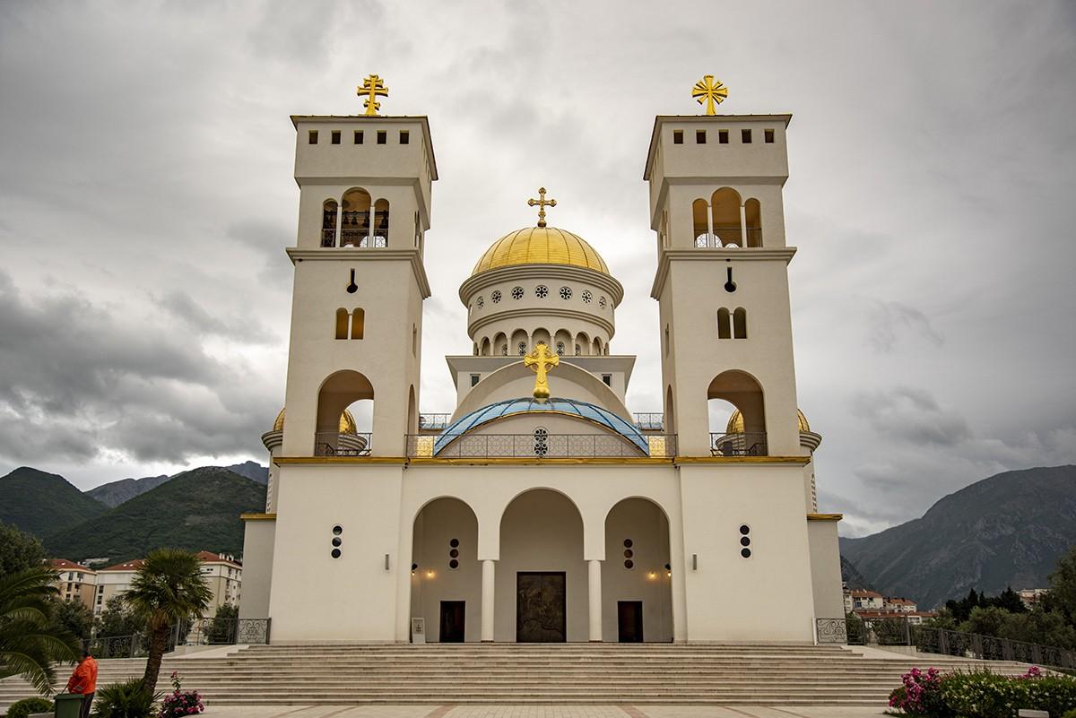 Саборни Храм Светог Јована Владимира у Бару (ФОТО)