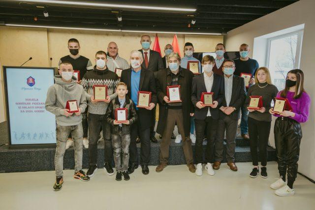 Uručena priznanja najboljima u sportu u Prijestonici za 2020. godinu